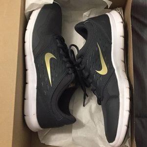 Women's Nike  orive shoes